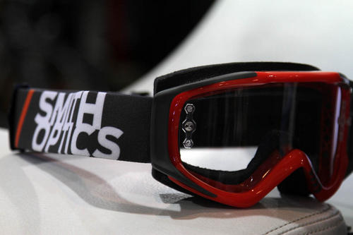 09857e5c When it comes to goggles, Smith keeps it simple. The Fuel V2 is the classic  MTB goggle that comes in a bevy of designs.